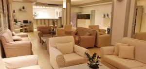 The lounge or bar area at Yiannaki Hotel