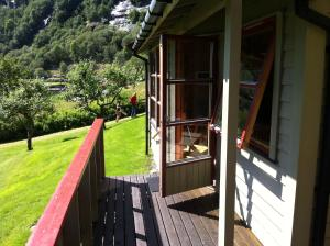 En balkong eller terrasse på Fjorden Campinghytter