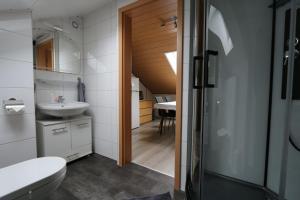 A bathroom at Haus Anne