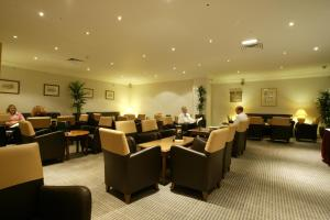 A restaurant or other place to eat at Holiday Inn Leeds-Wakefield M1 Jct40