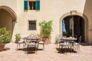 A patio or other outdoor area at Il Paluffo