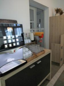 A kitchen or kitchenette at Despina's Mare