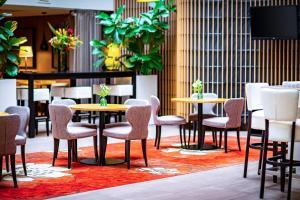 Een restaurant of ander eetgelegenheid bij Holiday Inn Express The Hague - Parliament