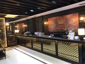 The lobby or reception area at Buddy Lodge, Khaosan Road