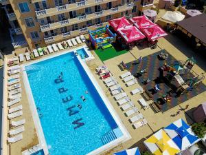 Вид на бассейн в Отель Имера All Inclusive или окрестностях