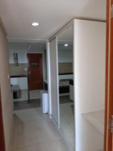 A bathroom at Flat Mar do Cabo Branco Residence