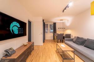 Ein Sitzbereich in der Unterkunft RHC Central Station Premium Apartments | contactless check-in