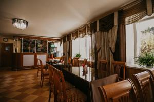 A restaurant or other place to eat at Hotel Iren