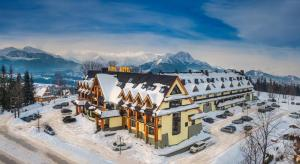 Hotel Tatra during the winter