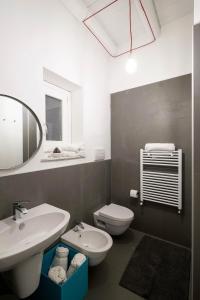 A bathroom at Cassari UpArtments