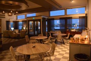 Majoituspaikan Hotelli Kotola ravintola tai vastaava paikka