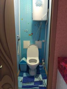 A bathroom at 2 Bedrooms apartment on Gagarina