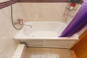 A bathroom at Квартира в новом доме Одоевского 1 10
