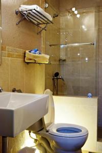 A bathroom at La Lorraine