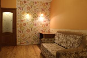 A bed or beds in a room at Двухкомнатные апартаменты на юбилейном 31