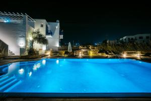 Бассейн в Vienoula's Garden Hotel или поблизости