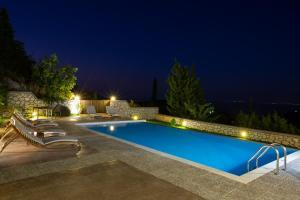 Πισίνα στο ή κοντά στο Drimonari Villas