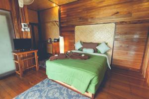 Кровать или кровати в номере Bayview Hill Resort