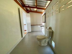 A bathroom at Kohjum Freedom Resort