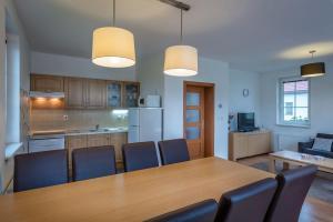 Kuchyň nebo kuchyňský kout v ubytování Villapark Vlašky