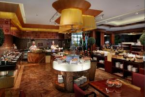 A restaurant or other place to eat at Park Plaza Beijing Wangfujing
