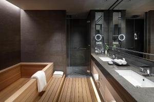 A bathroom at Signiel Seoul