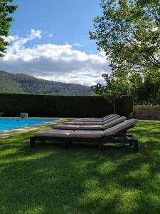 The swimming pool at or near Quinta do Terreiro - Turismo de Habitacao