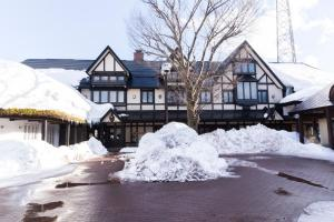 Shakespeare Hotel during the winter