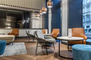 A seating area at Radisson Blu Hotel Prague