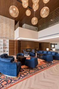 The lobby or reception area at Country Inn & Suites by Radisson Chandigarh Zirakpur