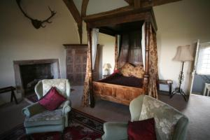 A bed or beds in a room at Blackmore Farm