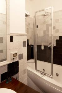 Bagno di Suite D'Autore Art Design Gallery