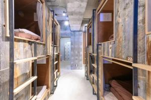 A bunk bed or bunk beds in a room at Hotel & Hostel KIKKA TOKYO - Vacation STAY 61621