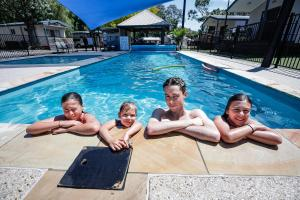The swimming pool at or close to Barwon River Holiday Park