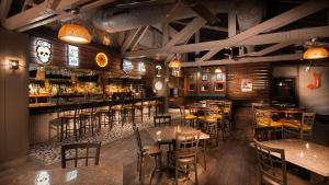 A restaurant or other place to eat at Aiden by Best Western @ Austin City Hotel