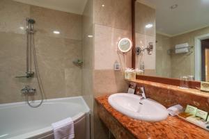 A bathroom at Kobuleti Georgia Palace Hotel & Spa