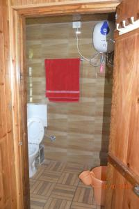 A bathroom at Samaghang Cottage