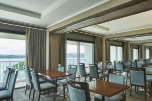A restaurant or other place to eat at Sheraton Laguna Guam Resort