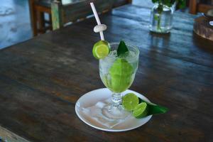 Drinks at Pousada Som de Mar