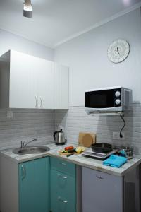 A kitchen or kitchenette at Elenasweethome Not far from airport Domodedovo