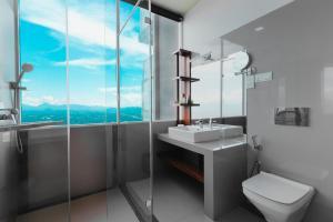 A bathroom at Mount Blue Kandy