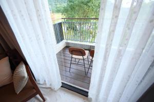 A balcony or terrace at Chuying Sunrise B&B