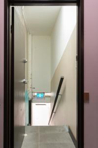 A kitchen or kitchenette at Camperdown Rooms