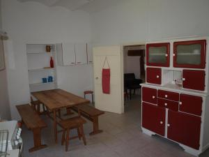A kitchen or kitchenette at Mas de Coste
