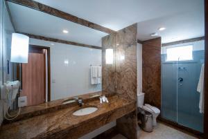 Um banheiro em Hotel Astoria Copacabana