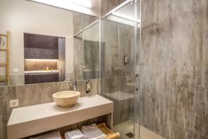 Un baño de Apartamentos SEVILLA ESTE
