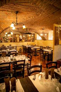 A restaurant or other place to eat at Apartments Hiša Pod Gradom