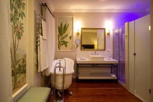 Um banheiro em Hotel Solar do Império