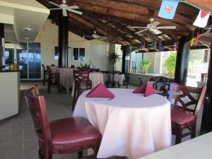 A restaurant or other place to eat at Marshall Islands Resort