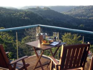 A balcony or terrace at Montville Holiday House